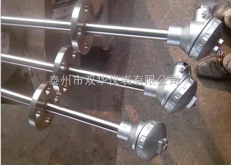 详细说明 1、WZP-430工业热电阻应用 通常和显示仪表、记录仪表、电子计算机等配套使用。直接测量各种生产过程中-200~500范围内液体、蒸汽和气体介质及固体表面温度,产品广泛用于电力、化工、钢铁、食品、机械加工等需要测温各行业。 2、WZP-430工业热电阻特点: 装配简单,更换方便。 进口薄膜电阻元件,性能可靠稳定,精度高。 机械强度高,耐压性能好。 3、WZP-430工业热电阻?
