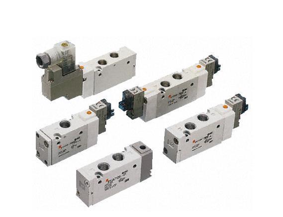 日本正品SMC电磁阀SY5160-4LZD-C6,SMC中国一级办事处 原装进口 支持验货 价格优惠 smc电磁阀通过线圈驱动,只能开或关 ,开关时动作时间短。 电动阀的驱动一般是用电机,开或关动作完成需要一定的时间模拟量的,可以做调节。2.工作性质:电磁阀一般流通系数很小,而且工作压力差很小。比如一般25口径的电磁阀流通系数比15口径的电动球阀小很多。电磁阀的驱动是通过电磁线圈,比较容易被电压冲击损坏。相当于开关的作用,就是开和关2个作用。电动阀的驱动一般是用电机,比较耐电压冲击。电磁阀是快开和快关的,