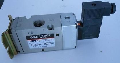3dd15可调稳压电路图