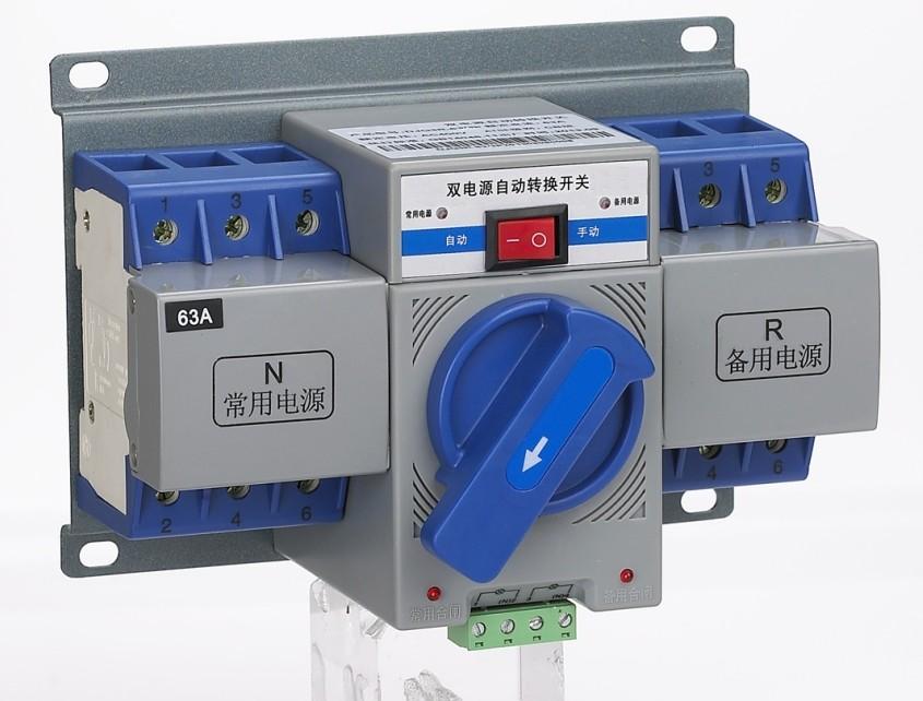 RDQ1-63/4P【16A双电源自动转换开关】 RDQ1-63/4P【16A双电源自动转换开关】 1.概述 1.1产品简介 RDQ1-63/4P 系列双电源自动转换开关电器是我公司利用微机控制技术开发研制的新一代自动转换开关。该开关以施耐德电气公司的Multi9系列,Compact系列断路器或负荷开关为执行元件,并配已机电一体化,带机电双重联锁的新型控制机构,特别适用在不允许断电的重要供电场所。为满足现场需求,自动转换开关可实现自投自复,自投不自复,互为备用三种不同工作方式。  1.