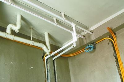 上海松江区外墙水管安装 排污水管维修 落水管安装.