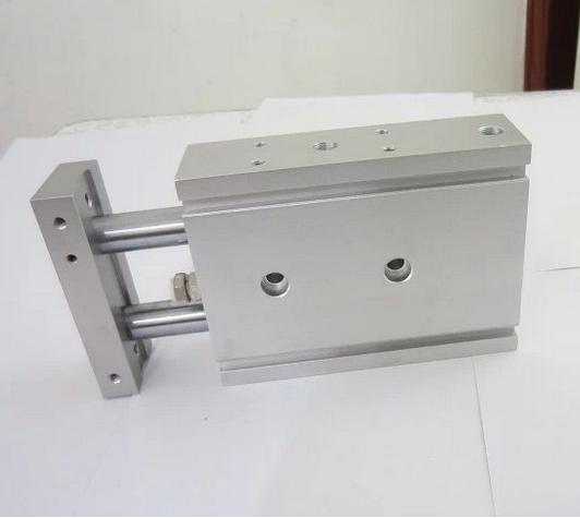 3—弹簧;4—活塞杆; 单作用气缸的特点是: 1)仅一端进(排)气,结构简单