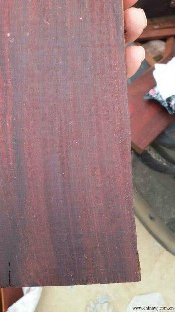 供应:定西零售赞比亚血檀木板手串料