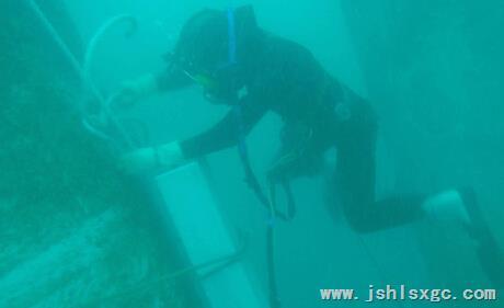 水下洞图片素材