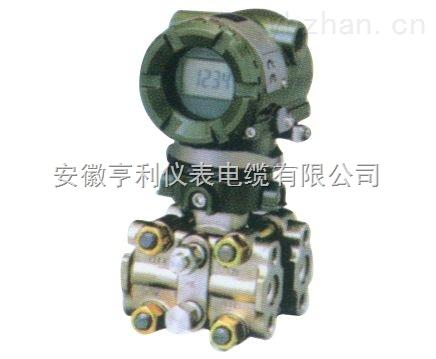 将压力信号转化成可用的电信号输出的器件或装置的高温补偿型变送器.